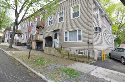 Poughkeepsie City Single Family Home Continue Showing: 32 Whinfield St
