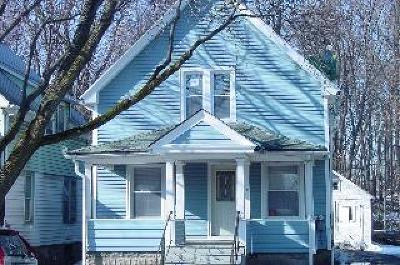Poughkeepsie City Single Family Home For Sale: 40 Columbia