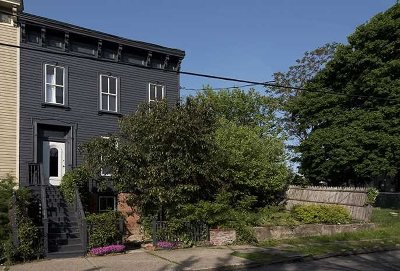 Hudson Single Family Home For Sale: 216 Allen Street
