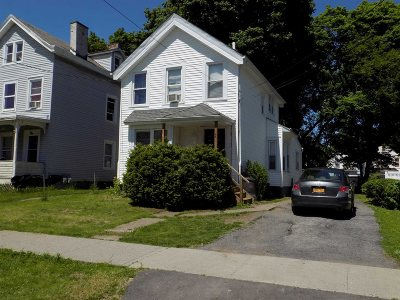 Poughkeepsie City Single Family Home For Sale: 48 Harrison St