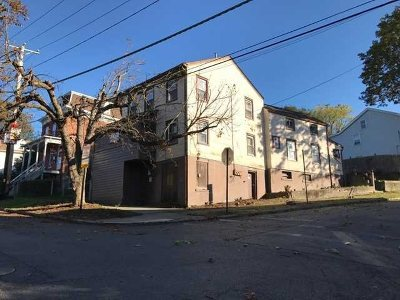 Poughkeepsie City Single Family Home For Sale: 27 Spruce St