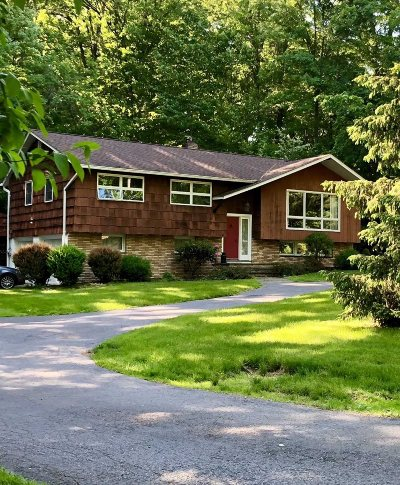 Hyde Park Single Family Home Continue Showing: 76 Roosevelt Rd