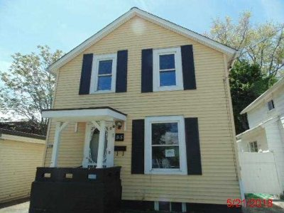 Poughkeepsie City Single Family Home For Sale: 85 Cottage St
