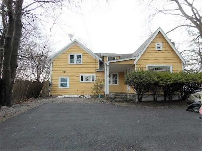 Poughkeepsie Twp Single Family Home For Sale: 58 Oakdale Avenue