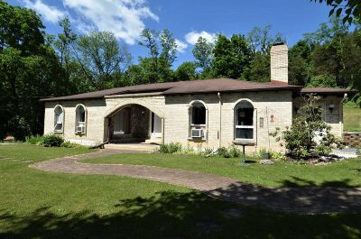 Pleasant Valley NY Single Family Home For Sale: $259,925