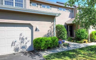 Rhinebeck Condo/Townhouse For Sale: 206 Cinnamon Circle