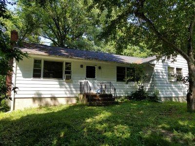 La Grange Single Family Home For Sale: 26 Maloney Dr