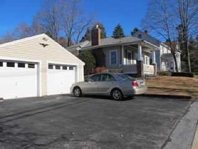 Poughkeepsie Twp Single Family Home Continue Showing: 17 W Cedar St