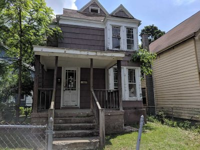 Poughkeepsie City Multi Family Home For Sale: 32 Marshall St