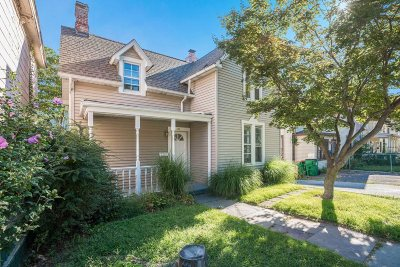 Beacon Single Family Home For Sale: 21 Boyce St