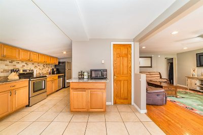East Fishkill Single Family Home For Sale: 1423 Route 82