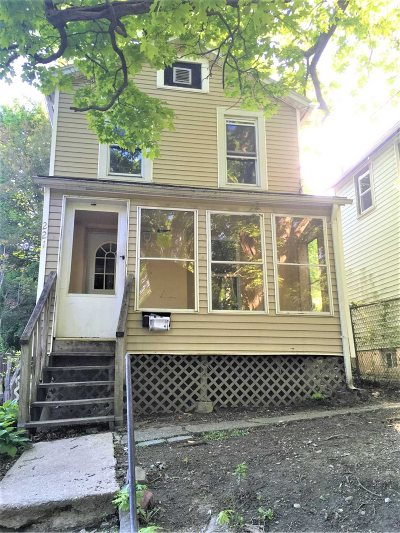 Poughkeepsie City Single Family Home New: 221 N Clinton St