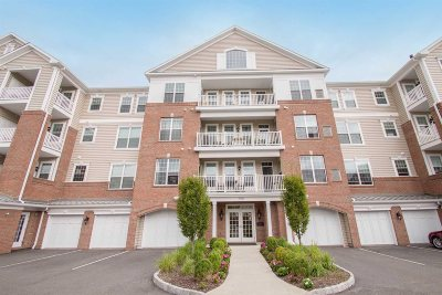 Fishkill Condo/Townhouse For Sale: 740 Regency Drive