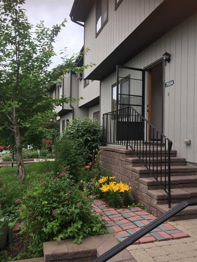Beekman Condo/Townhouse For Sale: 7604 Chelsea Cove