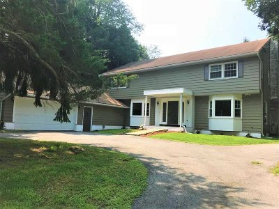 Single Family Home For Sale: 68 King George Rd