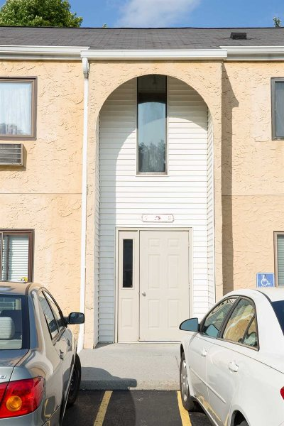 Wappinger Condo/Townhouse Continue Showing: Carnaby #5B
