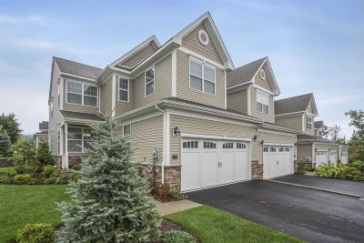 Fishkill Condo/Townhouse For Sale: 1 Evan Ct