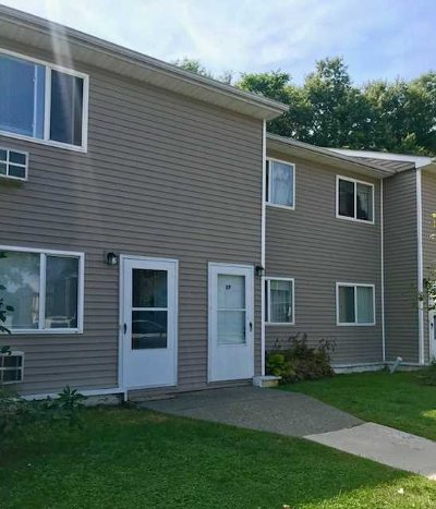 Fishkill Condo/Townhouse For Sale: 8 Fishkill Glen Drive #8F
