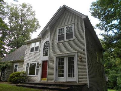 Dutchess County Single Family Home For Sale: 83 Cranberry Dr