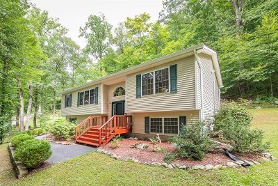 East Fishkill Single Family Home Continue Showing: 32 Collarbark Rd