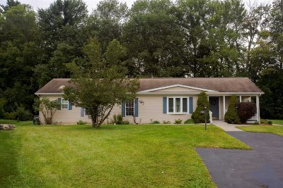 Poughkeepsie Twp Single Family Home For Sale: 1 Palm Cir