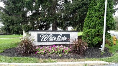 Wappinger Condo/Townhouse For Sale: 7 White Gate Rd #7H