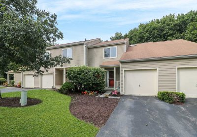 East Fishkill Condo/Townhouse Continue Showing