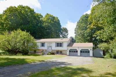 Pawling Single Family Home For Sale: 4 Mallow Ct