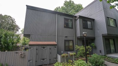 Poughkeepsie City Condo/Townhouse For Sale: 2302 Linden Ct