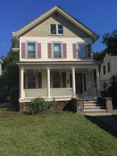 Poughkeepsie City Single Family Home For Sale: 18 S Grand Ave
