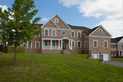 Poughkeepsie Twp Single Family Home For Sale: 21 Susie Blvd