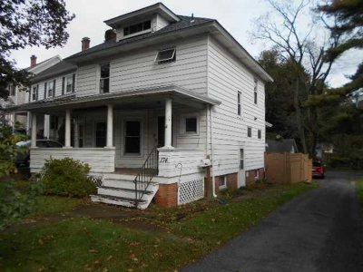 Poughkeepsie City Single Family Home For Sale: 174 Hooker Ave
