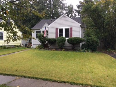 Poughkeepsie City Single Family Home For Sale: 18 Underhill Ave.