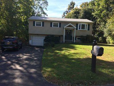Poughkeepsie Twp Single Family Home For Sale: 26 Mockingbird Ln
