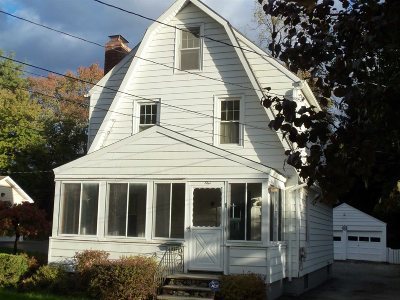 Poughkeepsie City Single Family Home For Sale: 1 Marian Ave