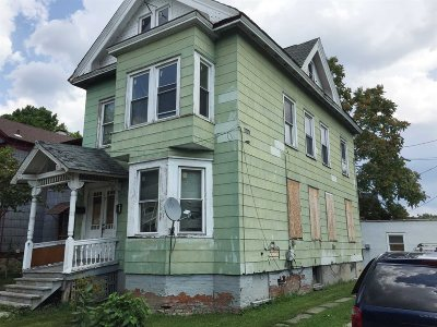 Poughkeepsie City Single Family Home For Sale: 5 Grant St