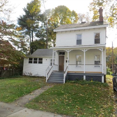 Poughkeepsie Twp Single Family Home For Sale: 148 College Ave