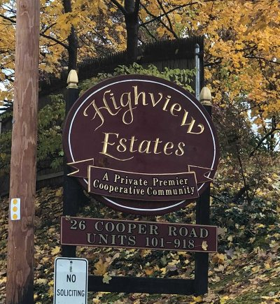 Poughkeepsie Twp Condo/Townhouse For Sale: 26 Cooper Rd #814