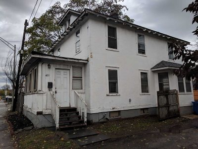Poughkeepsie City Single Family Home For Sale: 403 Maple St