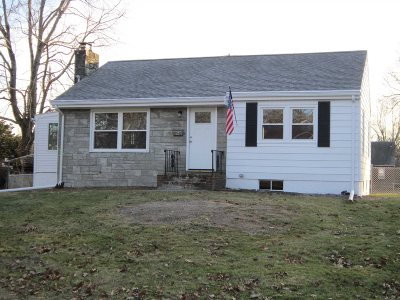 Poughkeepsie Twp Single Family Home For Sale: 16 Forrest Court