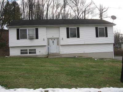 Poughkeepsie Twp Single Family Home For Sale: 2 Pehl Rd