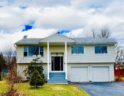 Poughkeepsie Twp Single Family Home For Sale: 18 Sutton Park Rd