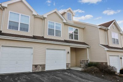 Dutchess County Condo/Townhouse For Sale: 2409 Sylvan Loop