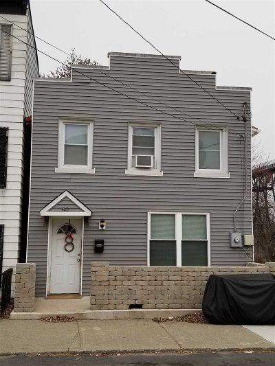Poughkeepsie City Single Family Home For Sale: 20 Davis