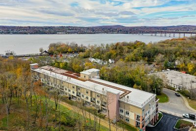Dutchess County Condo/Townhouse For Sale: 30 Beekman #115 St