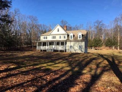 Dutchess County Single Family Home For Sale: 18 Apple Summit Ln