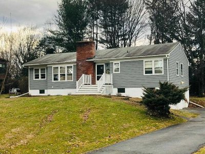 Poughkeepsie Twp Single Family Home For Sale: 49 King George Rd