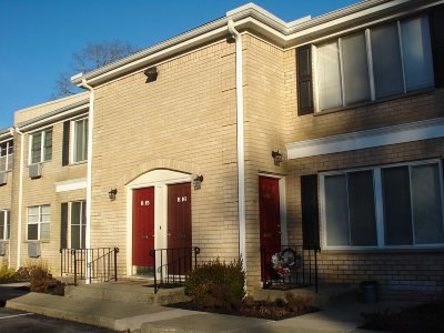 Poughkeepsie Twp Condo/Townhouse For Sale: 250 Beechwood Ave #B16