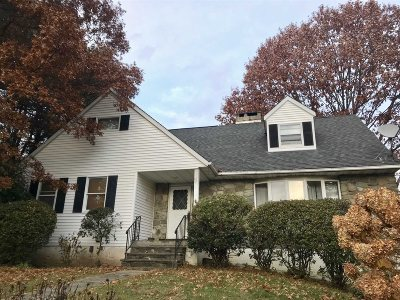 Poughkeepsie Twp Single Family Home For Sale: 19 Kim Ln