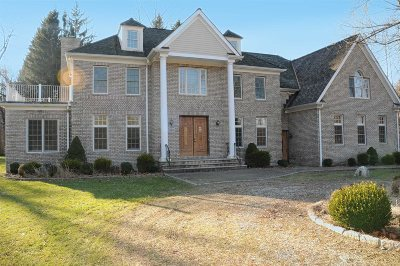 Pawling Single Family Home For Sale: 34 Brady Brook Farm Rd